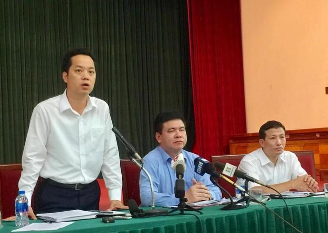 Chánh Văn phòng UBND TP Hà Nội Vũ Đăng Định thông tin tại hội nghị