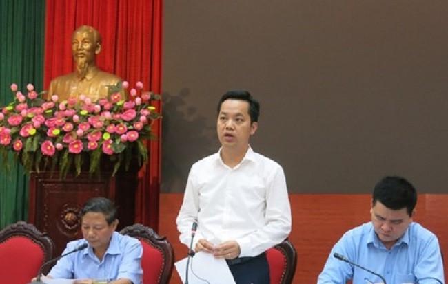Chánh Văn phòng UBND TP Vũ Đăng Định thông tin tại hội nghị