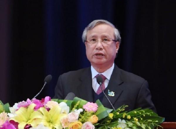 Thường trực Ban Bí thư Trần Quốc Vượng phát biểu tại đại hội