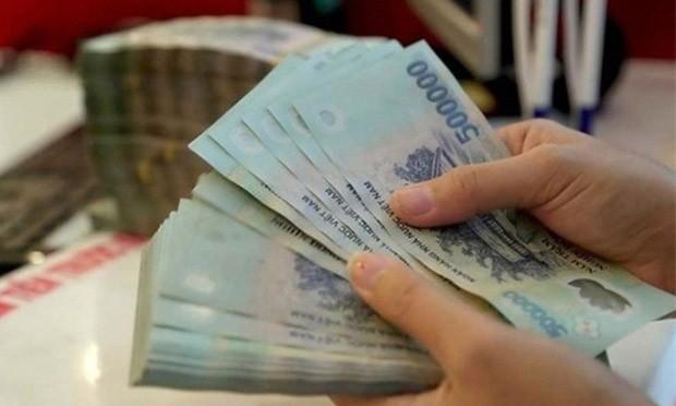 Ngoài tiền, doanh nghiệp có thể lựa chọn các hình thức khác để thưởng cho người lao động