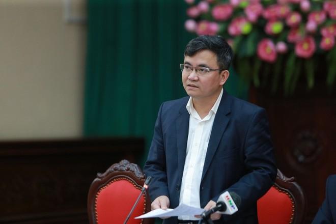Phó Chủ tịch UBND huyện Sóc Sơn Lê Hữu Mạnh thông tin tại hội nghị