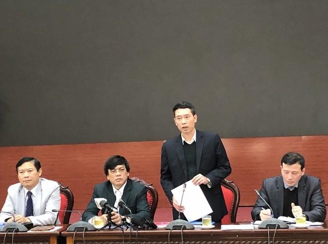Phó Chủ tịch UBND quận Hà Đông Nguyễn Quang Ngọc thông tin tại hội nghị