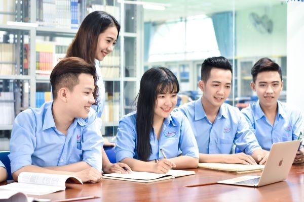 Bộ Nội vụ đề xuất rà soát để quy định việc giảm thiểu về chứng chỉ ngoại ngữ, tin học trong điều kiện tuyển dụng