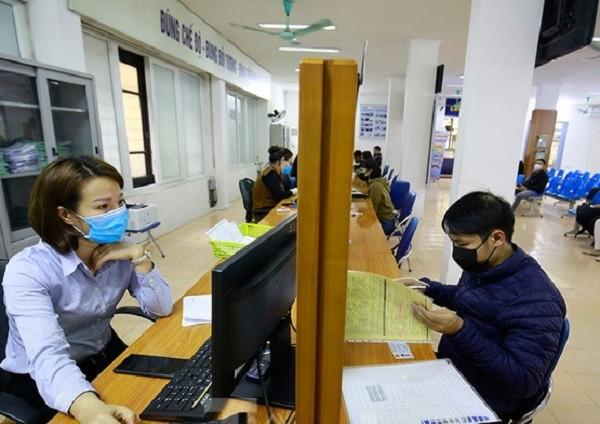 Người lao động làm thủ tục nhận bảo hiểm thất nghiệp