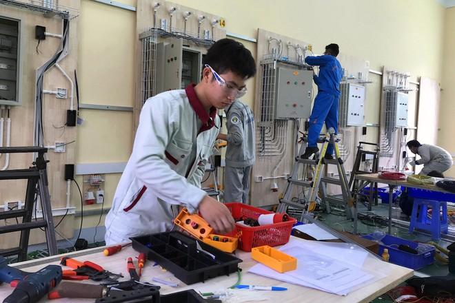 Tổng cục Giáo dục nghề nghiệp đã quyết định lùi thời gian tổ chức kỳ thi kỹ năng nghề quốc gia