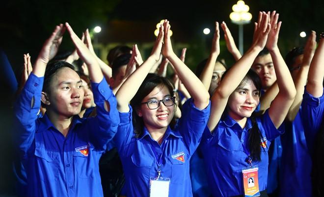 401 đại biểu là những cán bộ, đoàn viên, thanh niên trên toàn quốc, có thành tích xuất sắc tham gia đại hội Thanh niên tiên tiến làm theo lời Bác