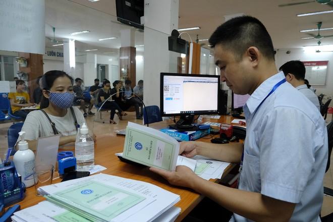 Người lao động nên đăng kí hưởng trợ cấp thất nghiệp thay vì hưởng bảo hiểm xã hội một lần