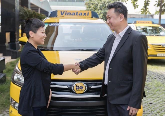 CEO beGroup Nguyễn Hoàng Phương và CEO Vinataxi Lim Chai Hwee bắt tay hợp tác dự án beTaxi