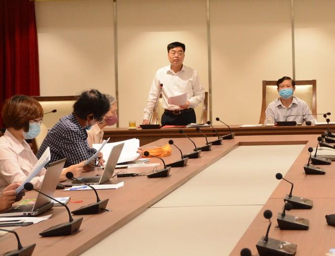 Phó Chủ tịch UBND huyện Hoài Đức Đỗ Đức Trung thông tin tại hội nghị