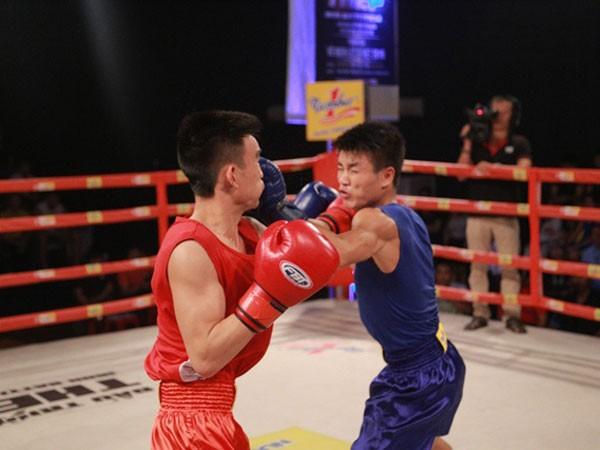 Mặc dù còn khá non trẻ nhưng Văn Đương không dễ bị khuất phục trước võ sĩ đàn anh.