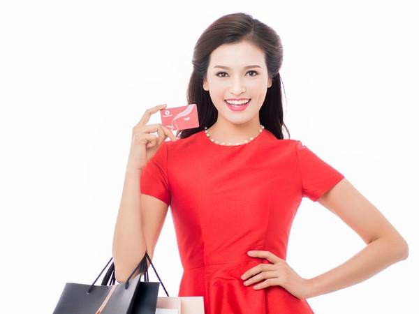 """Vingroup phát hành """"siêu thẻ"""" Vingroup Card"""