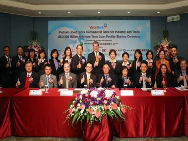 VietinBank với 18 ngân hàng quốc tế lớn và uy tín, ký kết hợp đồng