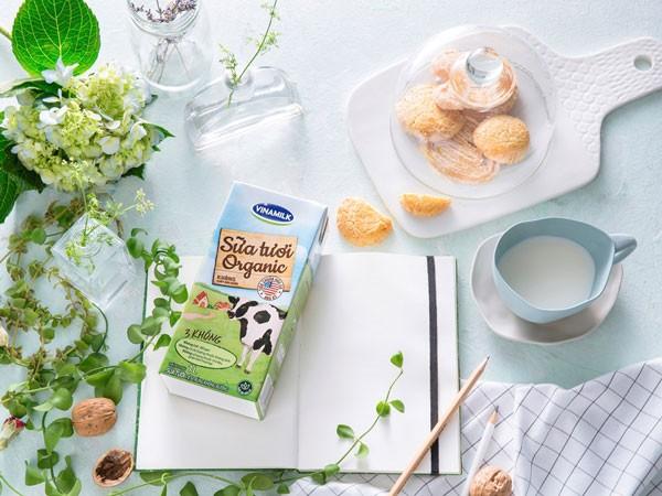 Vinamilk là công ty sữa đầu tiên tại Việt Nam cho ra đời sản phẩm Sữa tươi Vinamilk Organic cao cấp theo tiêu chuẩn organic USDA Hoa Kỳ
