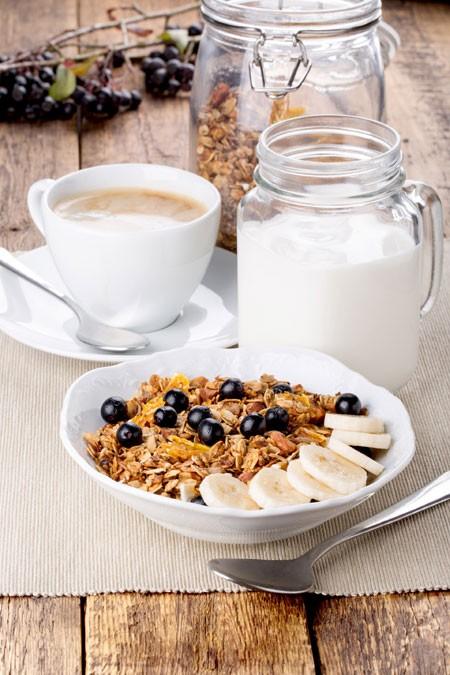 Hoàn toàn không tiếp xúc với các loại hoá chất như hormone tăng trưởng, thuốc trừ sâu, kháng sinh, sữa tươi organic vừa đảm bảo chất lượng, vừa mang lại sự tin tưởng cho người tiêu dùng.