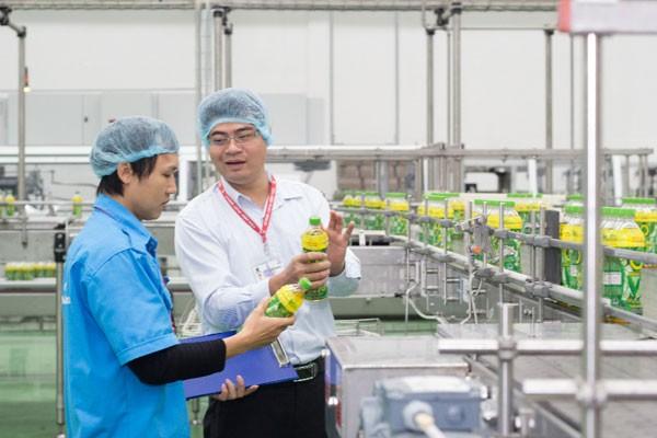 Trà xanh không độ được sản xuất trên dây chuyền hoàn toàn tự động và khép kín dưới sự kiểm soát chặt chẽ về chất lượng của các chuyên gia.