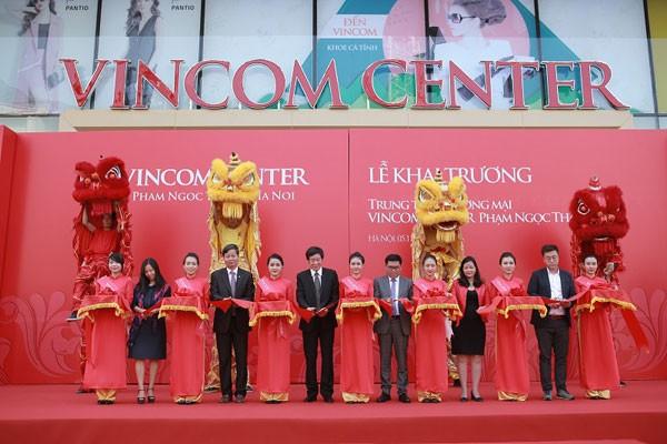 Lễ cắt băng khai trương Vincom Center Phạm Ngọc Thạch diễn ra trang trọng