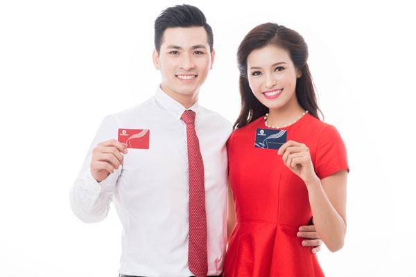 """""""Đại hỷ xuân 2017""""-Chương trình siêu khuyến mại của Vingroup Card"""