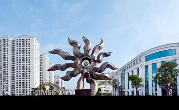 """""""Với việc đầu tư mạnh mẽ để xây dựng các dự án VinCity, chúng tôi mong muốn góp phần vào sự thay đổi diện mạo đô thị để dần dần Việt Nam sẽ có các thành phố đẹp, hiện đại như các thành phố lớn trên thế giới. Đặc biệt, thông qua VinCity, chúng tôi mong muốn mang đến cho đồng bào những tổ ấm hiện đại, an toàn và phù hợp với thu nhập trung bình của số đông""""."""