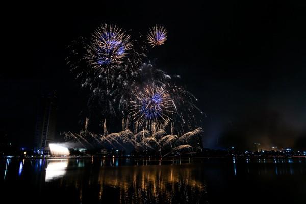 Đà Nẵng: Lễ hội pháo hoa 2017 kéo dài suốt 2 tháng