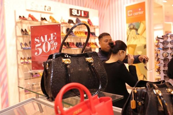 Các thương hiệu thời trang đang giảm giá khủng 50-70% dịp Tết Nguyên đán