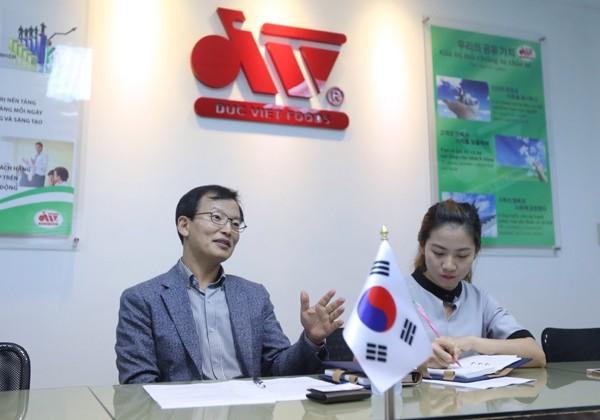 """Lộ diện """"đại gia"""" Hàn Quốc thâu tóm xúc xích Đức Việt với giá 32 triệu USD"""