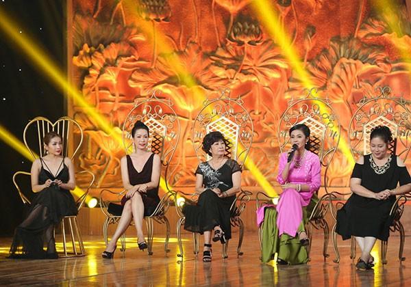 Các giám khảo của chương trình trong buổi họp báo công bố