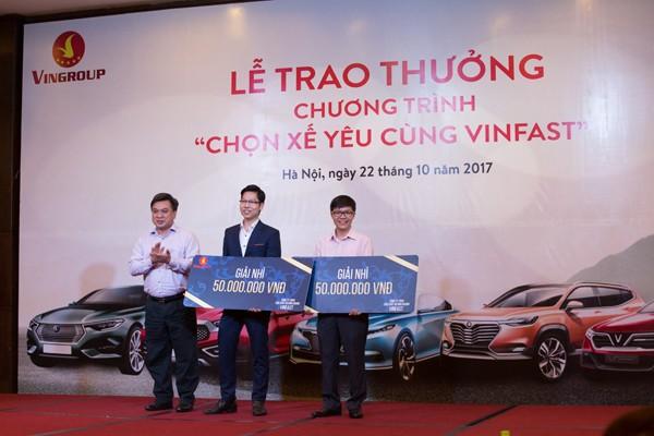"""Đạt giải Nhì của chương trình với phần thưởng trị giá 50 triệu đồng, anh Phạm Hải Châu (bên phải) chia sẻ: """""""