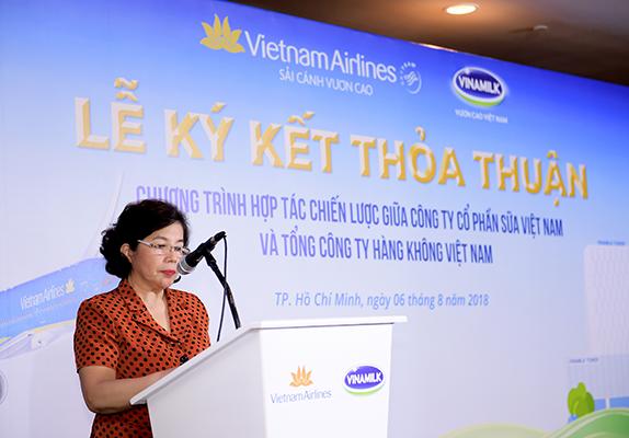 Bà Mai Kiều Liên – Thành viên HĐQT, Tổng Giám đốc Vinamilk phát biểu tại buổi lễ ký kết (Ảnh: Lý Võ Phú Hưng)