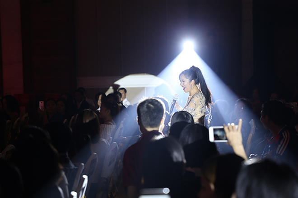 Hồng Nhung và màn giao lưu với khán giả Sầm Sơn
