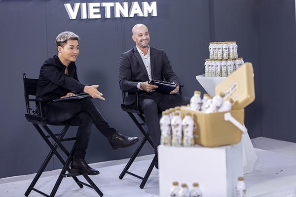 Ông Stefan Reicherstorfer – Giám đốc khối Marketing Tập đoàn Tân Hiệp Phát bất ngờ xuất hiện trong tập 11 The Face Việt Nam 2018. Ông được biết đến là vị chuyên gia Marketing hàng đầu thế giới trong lĩnh vực hàng tiêu dùng.