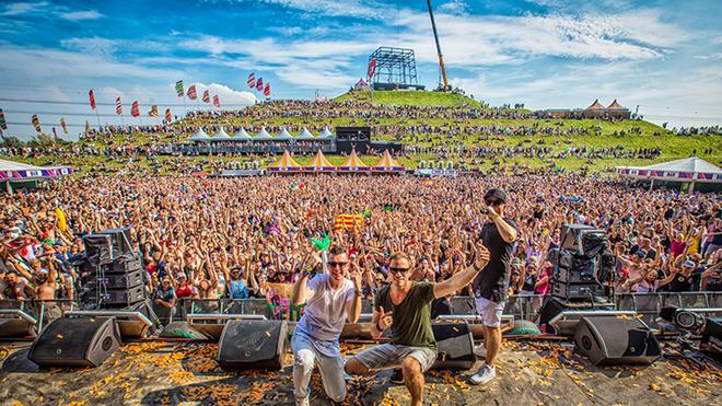 Những lễ hội âm nhạc lớn trên thế giới đều được tổ chức tại các điểm đến du lịch nổi tiếng (Ảnh Internet)