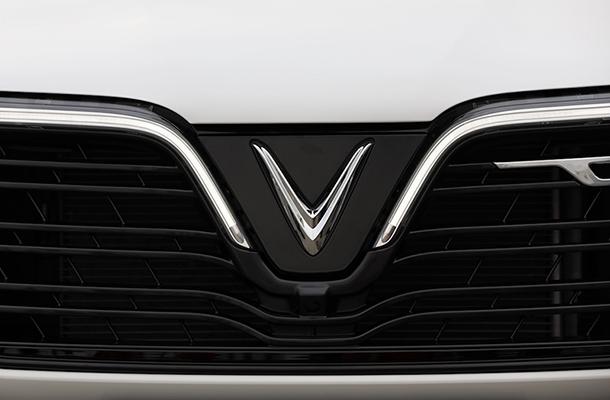Các chi tiết cận cảnh mẫu xe VinFast Lux SA2.0 đầu tiên được sản xuất hoàn thiện tại Việt Nam.