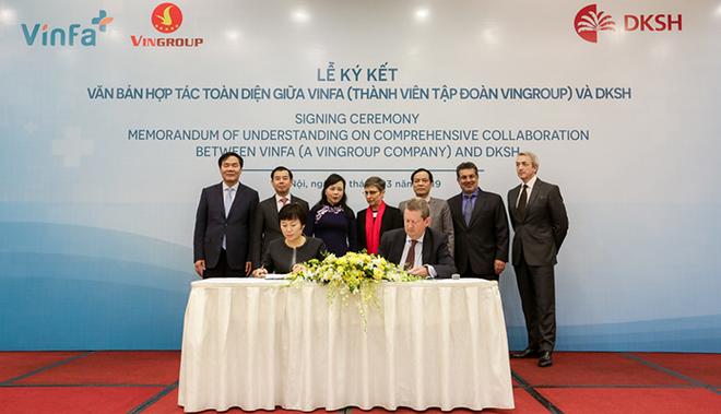 Dưới sự chứng kiến của Bộ trưởng Bộ Y tế Nguyễn Thị Kim Tiến, hợp tác chiến lược giữa VinFa và DKSH đã chính thức được lãnh đạo hai bên ký kết, với mục tiêu đáp ứng nhu cầu chăm sóc sức khỏe tại Việt Nam theo chuẩn mực quốc tế.