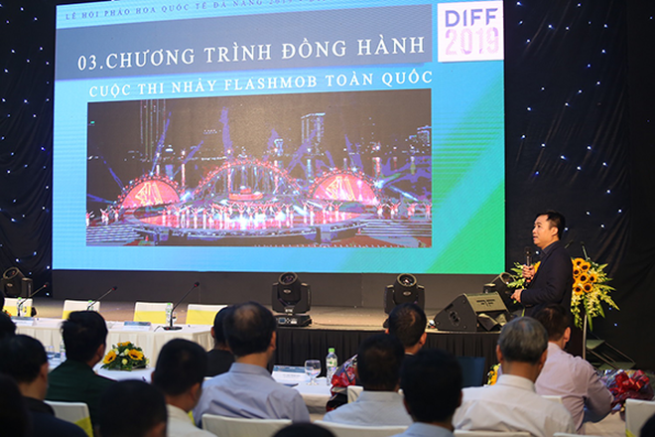 Tổng đạo diễn DIFF 2019, ông Đỗ Thanh Hải trình bày trong buổi họp báo