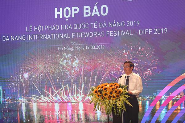 Ông Lê Trung Chinh – Phó Chủ tịch UBND TP Đà Nẵng, Trưởng Ban tổ chức phát biểu tại buổi họp báo