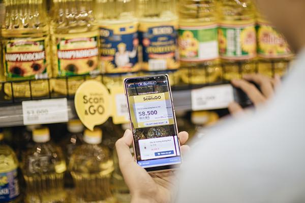 Chỉ bằng việc quẹt mã vạch, khách hàng có đầy đủ thông tin về sản phẩm