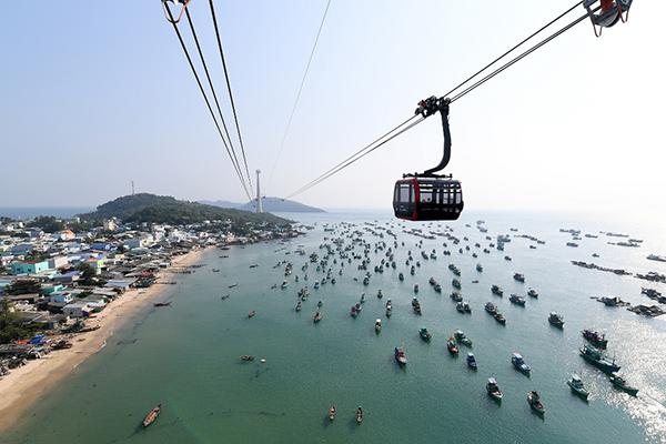 Hàng nghìn du khách muốn đến Nam đảo Ngọc trải nghiệm cáp treo Hòn Thơm dài nhất thế giới