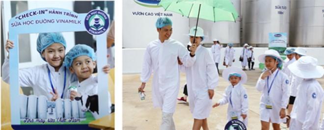"""Cả 4 thành viên gia đình diễn viên Mạnh Trường và các khách mời sữa học đường nhí hào hứng """"check-in""""siêu nhà máy sữa Vinamilk tại Bình Dương."""
