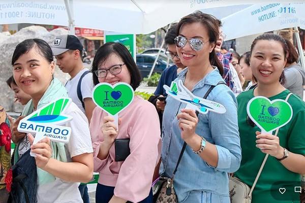 Đặc biệt, khách hàng sẽ có cơ hội chưa từng có để là thượng khách hạng Thương gia của Bamboo Airways trên các đường bay từ Hà Nội đi Nha Trang, TP Hồ Chí Minh, Phú Quốc, Đà Nẵng, Quy Nhơn, Đồng Hới, Vinh sẽ được bán ra vào các ngày 30/05 đến ngày 01/06 với mức giá trải nghiệm đặc biệt hấp dẫn.