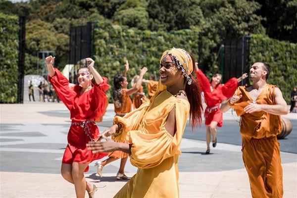 Lộ diện 'Thần Mặt trời' trong show nghệ thuật đẳng cấp quốc tế 'Vũ hội Ánh dương'