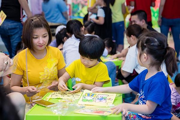 Không chỉ có các hoạt động thể chất, các em còn có được tham gia nhiều hoạt động sáng tạo, rèn luyện trí tuệ bổ ích