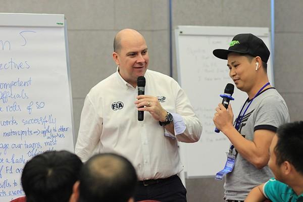 70 cán bộ cao cấp điều hành giải đua sẽ được trực tiếp hướng dẫn, đào tạo bởi các chuyên gia hàng đầu thế giới đến từ Liên đoàn Xe động cơ Úc (CAMS)