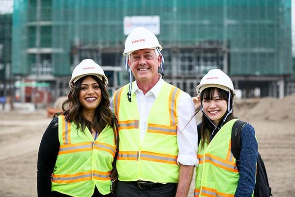 GS Glen thăm công trường xây dựng đại học VinUni
