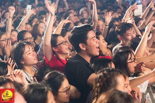 Năm 2018, Lễ hội Phố Hàng Nóng tại Đà Nẵng đã thu hút hàng chục ngàn bạn trẻ tham dự.