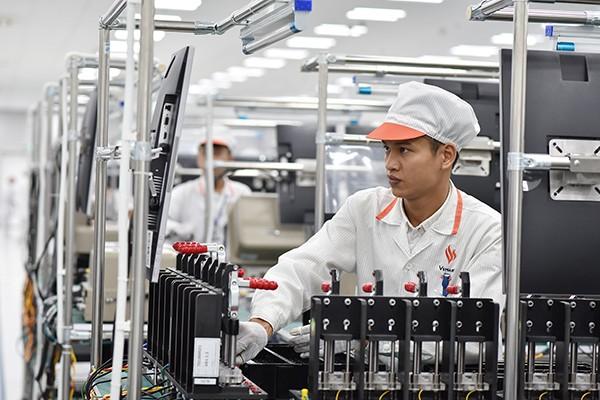 Thỏa thuận hợp tác với Qualcomm và Fujitsu giúp VinSmart tiến thêm một bước quan trọng trong việc làm chủ chuỗi cung ứng và sản xuất, tiến tới mục tiêu cung cấp các sản phẩm điện tử thông minh, chất lượng.