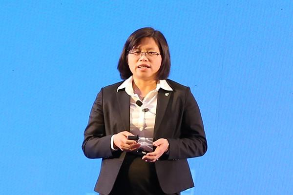 Bà Vương Thị Huyền– Phó Tổng giám đốc Ngân hàng VIB