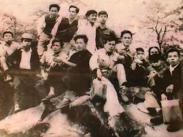 Đoàn chuyên gia trên đỉnh Fansipan