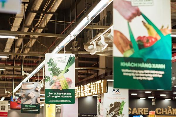 """Vị """"khách hàng xanh"""" đặc biệt ở siêu thị VinMart"""