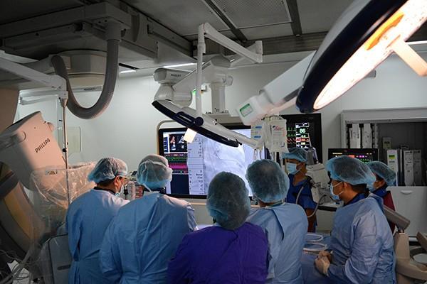 Nhiều bệnh viện đang tăng tốc đầu tư cơ sở vật chất, thiết bị y tế hiện đại nhằm nâng cao chất lượng khám chữa bệnh