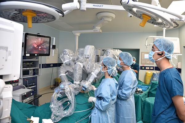 Phẫu thuật robot điều trị ung thư có thể đem lại tỷ lệ thành công lên tới 95%